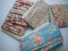 バイアステープを早く作る方法 Diy And Crafts Sewing, Diy Crafts, Bias Tape, Pattern Drafting, Sewing Techniques, Handmade Bags, Pattern Making, Sewing Hacks, Sewing Ideas