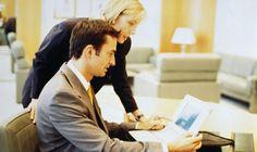 Этика делового общения установленный порядок поведения в деловых отношениях, касающийся форм общения, приветствий, отношений с окружающими.
