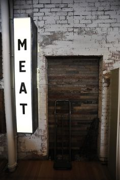 66 Ideas For Meat Restaurant Decoration Wayfinding Signage, Signage Design, Backlit Signage, Best Interior, Interior And Exterior, Interior Design, Interior Paint, Café Bistro, Neon Box