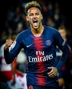 Neymar has revealed Paris Saint-Germain have been too afraid to play him in recent weeks, despite the attacker wanting to get back on to the pitch. Best Football Players, Football Fans, Soccer Players, Messi Neymar, Neymar Football, Neymar Jr Wallpapers, Cristino Ronaldo, Team Coaching, Uefa Champions League