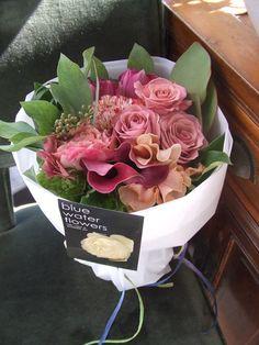 東京の花屋・blue water flowers/アレンジメント・花束・開店祝い・お誕生日祝い・スタンド花・ウェディングブーケ・観葉植物