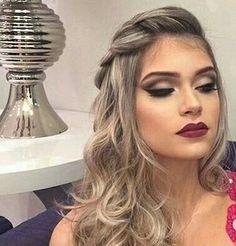 Pin by Elsa Gutièrrez on Peinados & Make Up in 2019 Curly Wedding Hair, Long Curly Hair, Bridal Hair, Curly Hair Styles, Prom Hair, Holiday Hairstyles, Fancy Hairstyles, Bride Hairstyles, Quinceanera Hairstyles