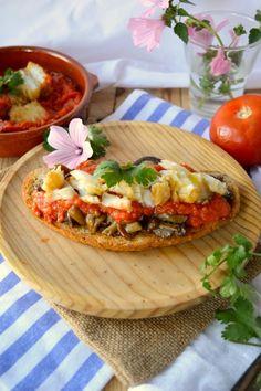 tosta de bacalao con tomate