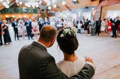 Powitania KA . . . ZAPAROWANA.PL #weddingphotography #weddingphotographer#wedding #slub #poland  #fotografiaslubna #fotografslubny #instawedding #weddingphoto #justmarried #lovestory #igerspoland #igerswarsaw #vzcopoland #vzcowarsaw #artofvisuals #fotografwarszawa #lookslikefilm #lookslikefilmpoland #junebugweddings #dirtybootsandmessyhair #thisdarlinglove #firstsandlasts #belovedstories #sisterphotogs #fotografwarszawa #intimatewedding #slubnaglowie #zankyou