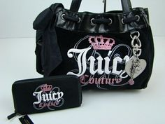 Juicy Couture Purse with Wallet. this is seriously too cute Mk Handbags, Handbags On Sale, Handbags Michael Kors, Luxury Handbags, Purses And Handbags, Cute Purses For Cheap, Juicy Couture Handbags, Cute Bags, Womens Purses