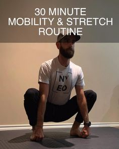 Fitness Workouts, Gym Workout Tips, Hip Workout, Workout Videos, Fitness Tips, Fitness Motivation, Hip Mobility Exercises, Posture Exercises, Back Pain Exercises