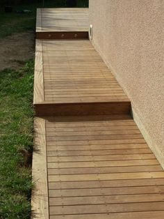 Plans of Woodworking Diy Projects Deck With Pergola, Backyard Pergola, Backyard Landscaping, Pergola Kits, Pergola Ideas, Cheap Pergola, Diy Patio Furniture Cheap, Terrasse Design, Wooden Walkways