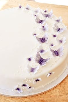 www.butterflies wedding inventations | ... are some butterfly wedding cakes to match with your themed weddings