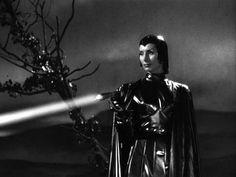 Devil Girl from Mars 1954 Classic Sci Fi film Classic Sci Fi, Classic Horror Movies, Sci Fi Horror, Horror Films, Sci Fi Films, Draw On Photos, Sci Fi Books, Science Fiction Art, Imagines