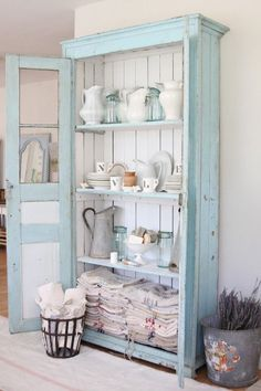 4 Passionate Cool Tips: Shabby Chic Sofa Shutters shabby chic home rustic.Shabby Chic Crafts Fun shabby chic home vintage.Shabby Chic Bedding For Sale. Shabby Chic Dresser, Chic Kitchen, Furniture, Chic Furniture, Furniture Makeover, Chic Home Decor, Blue Cupboards, Shabby Chic Homes, Shabby Chic Bookcase