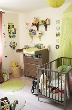 Vert Anis Dans La Chambre De Bébé Chambre Bébé Meuble, Déco Chambre Bébé,  Chambre
