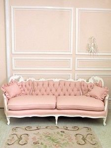 Try An Antique Sofa To Create A Vintage Chic Style In Your Living Room Or