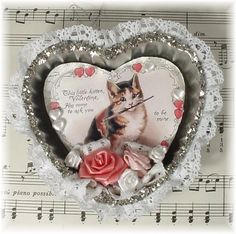 Valentine heart tart tins with kitten Valentines Sweets, My Funny Valentine, Saint Valentine, Valentines Day Decorations, Valentine Day Crafts, Vintage Valentines, Holiday Crafts, Victorian Valentines, Heart Decorations