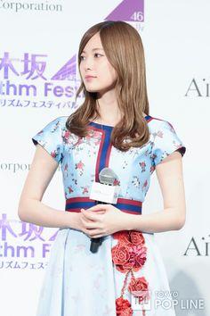 Mai Shiraishi Asian Beauty, Cute Girls, Floral Tops, Short Sleeve Dresses, The Incredibles, Crop Tops, Lady, Casual, Model