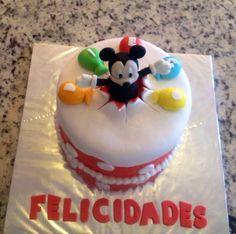 De Mickey. No importa el número de personas para tu pastel.