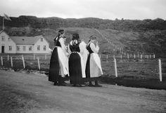Women at Thingvellir, Iceland by Swedish National Heritage Board, via Flickr