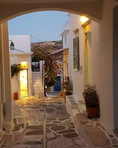 Take an evening walk down this beautiful alley in Paros island (Πάρος)