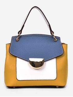 Handbags With Style. For many women, purchasing an authentic designer bag is not really something to rush straight into. As these bags can be so high priced, women generally worry over their decisions prior to making an actual handbag purchase. Cute Handbags, New Handbags, Fashion Handbags, Fashion Bags, Fashion Purses, Women's Fashion, Bags Online Shopping, Shopping Bag, New Bag