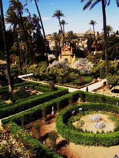 Los jardines de los Alcazares Reales de Sevilla  -photo by Victoria Lauren