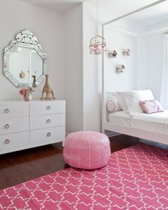 Pink And White Themed Girlu0027s Room