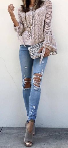 How To Wear A Knit Sweater Ripped Jeans Plus Bag Plus Heels Gorgeous Summer outfits ideas spring fashion copy asap romper outfits jeans outfits fashion ideas how to wear ripped jeans Casual Outfits, Cute Outfits, Fashion Outfits, Womens Fashion, Fashion Trends, Fashion Fashion, Runway Fashion, Cooler Look, Popular Outfits