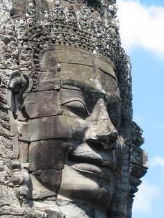 Ankor Wat Ancient Architecture, Amazing Architecture, Cool Places To Visit, Places To Travel, Temple Tattoo, Angkor Wat Cambodia, Buddha Face, Les Continents, Thai Art