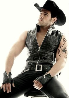 Tight Leather Pants, Leather Jeans, Leather Gloves, Leather Jacket, Denim, Hot Country Boys, Cowboys Men, Slip, Wearing Black