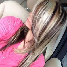chunky blonde highlights in brown hair Love Hair, Great Hair, Gorgeous Hair, Blonde Hair With Highlights, Chunky Highlights, Brown Blonde, Brown Hair, Corte Y Color, Hair Color And Cut