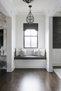 Hallway Window-seat Reading Nook Hallway Window-seat ideas Hallway Window-seat #Hallway #Windowseat #ReadingNook