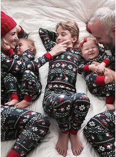 2018 New Christmas Pajamas Family Matching Mom Dad Children Sleepwear Outfit Set Loungewear - mydealsite Matching Christmas Pajamas, Matching Family Pajamas, Matching Family Outfits, Matching Clothes, Christmas Pyjamas, Xmas Pjs, Matching Pjs, Christmas Look, Family Christmas Outfits