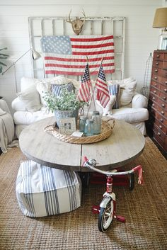 4th of July Decor In the Living Room -