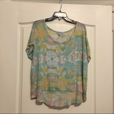 Short sleeve floral high low top Short sleeve floral high low flowy top Cotton On Tops
