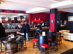 Google Image Result for http://barmagazine.files.wordpress.com/2012/08/innis-gunn-potterrow-lr.jpg