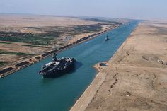 USS America (CV-66) in the Suez canal 1981 - Egypt