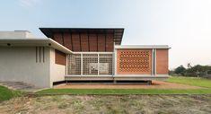 Lean House / Teerachai Leesuraplanon