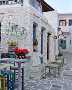 A picturesque corner of Kythnos island (Κύθνος)