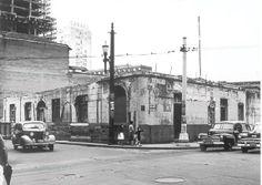1958 - Casa de José Maria Gavião Peixoto. Aspecto da demolição no ano de 1958, quase 100 anos após sua construção. Casa construída entre os anos de 1858 e 1860. Autor da foto anônimo.