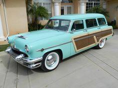 Mercury Monterey Woody Wagon 1954 - source 40s & 50s American Cars.
