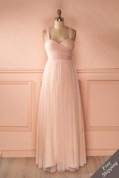 ne histoire merveilleuse était sur le point de s'écrire...    A wonderful story was about to be written... Maxi pink tulle prom dress www.1861.ca