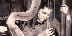 Violeta Parra: tras los pasos de una artista nómade I Joan Baez, Rock And Roll, Facebook, Ideas, Folklore, World, The 100, The Voice, Faces