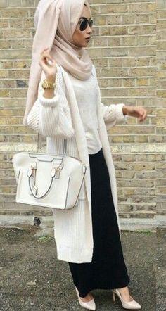 Hijab fashion whit the style 🌹🌹 Stylish Hijab, Hijab Chic, Abaya Fashion, Modest Fashion, Fashion Outfits, Muslim Women Fashion, Islamic Fashion, Modest Wear, Modest Outfits