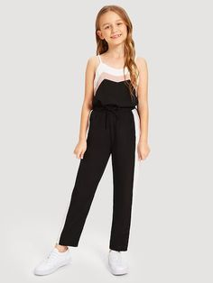 To find out about the Girls Color Block Cami Top & Drawstring Pants Set at SHEIN, part of our latest Girls Two-piece Outfits ready to shop online today! Teenage Girl Outfits, Girls Fashion Clothes, Girls Summer Outfits, Dresses Kids Girl, Cute Girl Outfits, Teen Fashion Outfits, Tween Fashion, Cute Outfits For Kids, Cute Casual Outfits