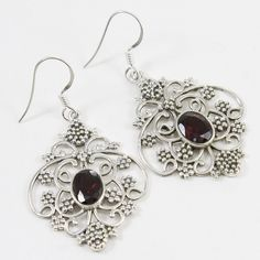 Beautiful and appealing, A delicate, design is the ultimate in Fashion. This is a handmade piece with high quality polish and beautiful design. Jewelry Design Earrings, Stone Earrings, Drop Earrings, End Of Season Sale, New Years Sales, The Ordinary, Garnet, Dangles, It Cast