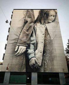 Helsinki, Finandia: nuovo pezzo dello street artist australiano Guido van Helten.
