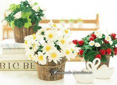 Ромашки крючком для украшения интерьера. Схемы вязания букета цветов, очень нежных ромашек, которые можно разместить в горшочке и украсить интерьер.