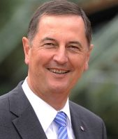 Peter Jung (CDU) ist seit elf Jahren Oberbürgermeister von Wuppertal.