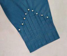 Kurti Sleeves Design, Sleeves Designs For Dresses, Kurti Neck Designs, Salwar Kameez, Pakistani Dresses Shalwar Kameez, Traditional Blouse Designs, Trousers For Girls, Beautiful Dress Designs, Embroidery Fashion