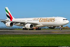 Emirates Airbus A340-541 (registered A6-ERC) taxiing at Auckland, June 2008 (photo by Abram Chan)