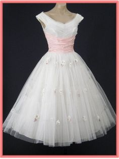 Pretty in pink vintage pin up dress.