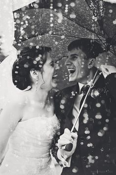 Worried about rain? These couples turned a rainy wedding day into something pretty amazing. See their gorgeous photos: http://www.womangettingmarried.com/11-beautiful-rainy-day-wedding-photos/